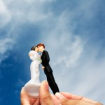 Bride and Groom Statuettes Kissing