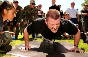 800px-Airman_executing_a_push-up_as_part_of_the_United_States_Air_Force_Fitness_Test copy